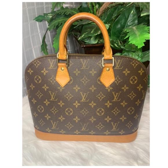 Louis Vuitton Handbags - 🌼Authentic Louis Vuitton Alma PM🌼